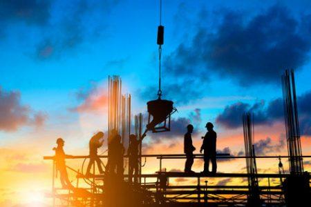 Jak zapewnić prawidłowe oswietlenie placu budowy