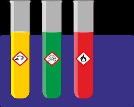 """Kampania """"Zdrowe i bezpieczne miejsce pracy: substancje niebezpieczne pod kontrolą"""""""